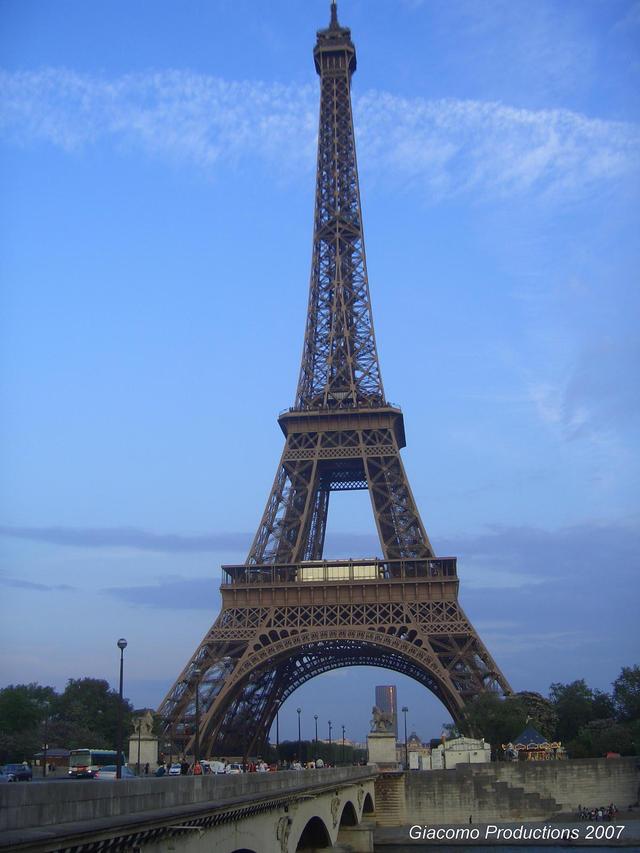 Eiffel1_2